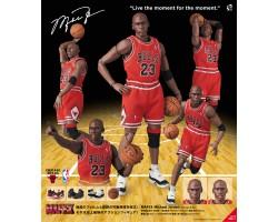 MAFEX Michael Jordan (Chicago Bulls)